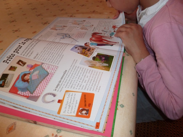 ief chevaux girl's book